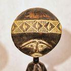Zdjęcie afrykańskiej figurki aszanti