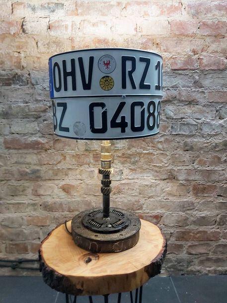 Lampa z rejestracjami - Ręcznie robiona, (1) - Oświetlenie